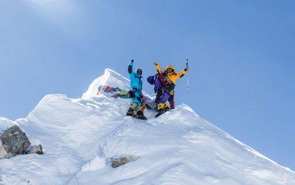 صعود تیم منتخب خراسان رضوی به قله ۸۰۰۰ متری ماناسلو